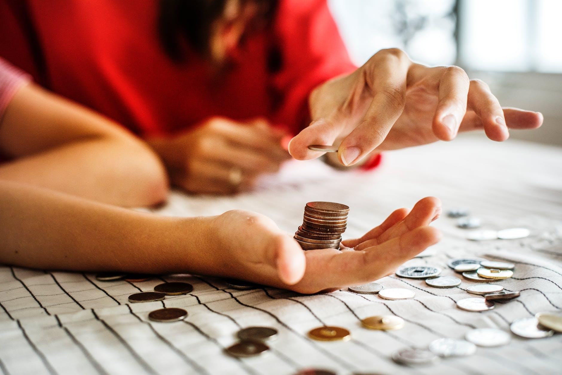faceți bani cu mâinile repede